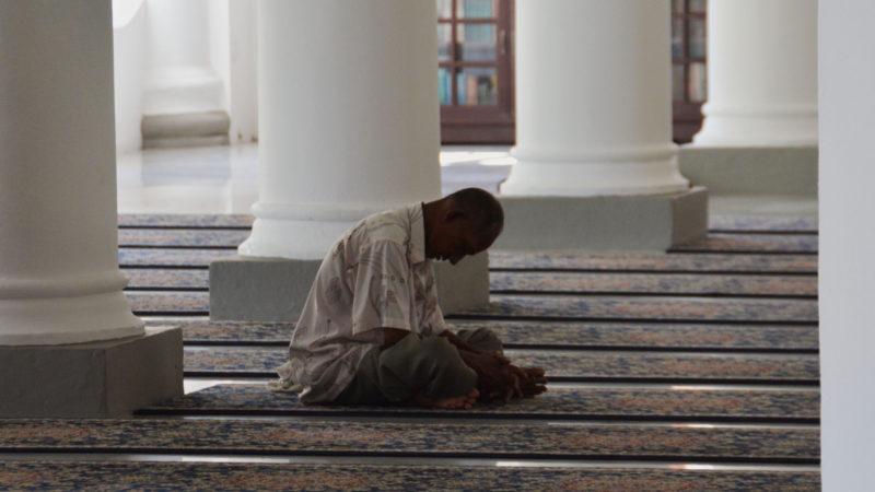 Muslim in Moschee | © pixabay.com CCO