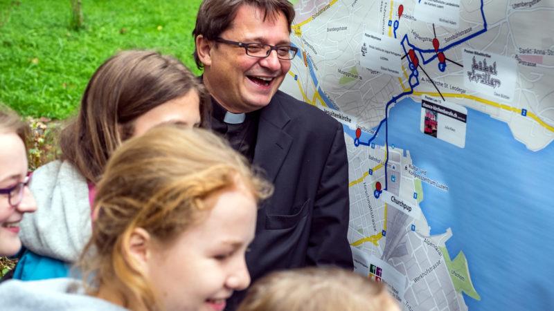 Bischof Felix Gmür 2015 am Bistumsjugendtreffen in Luzern | © Roberto Conciatori