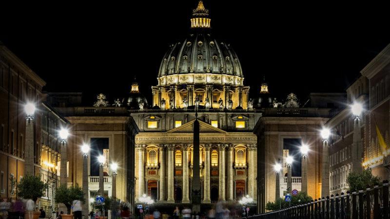 Petersdom bei Nacht | © pixabay.com CC0