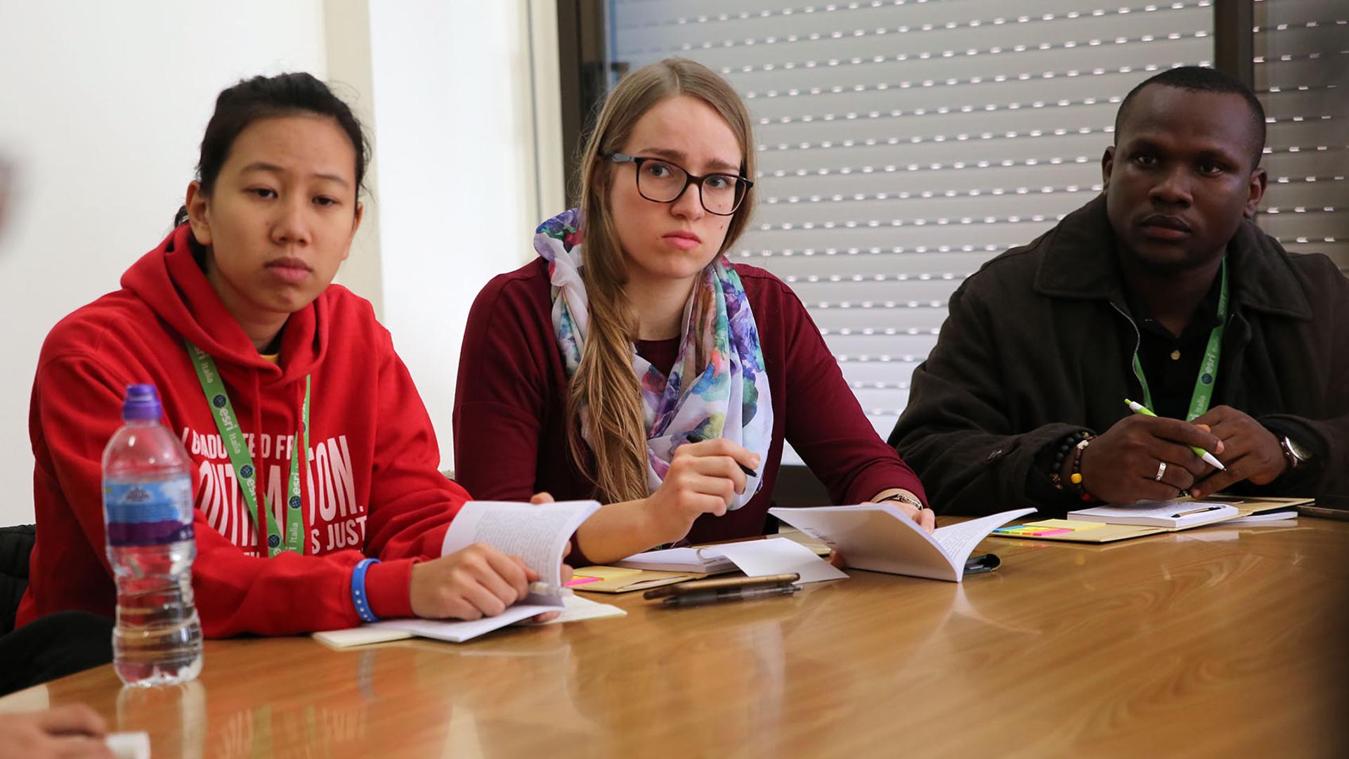 Medea Sarbach (Mitte) in einer Arbeitsgruppe der Vorsynode | © Bernard Hallet
