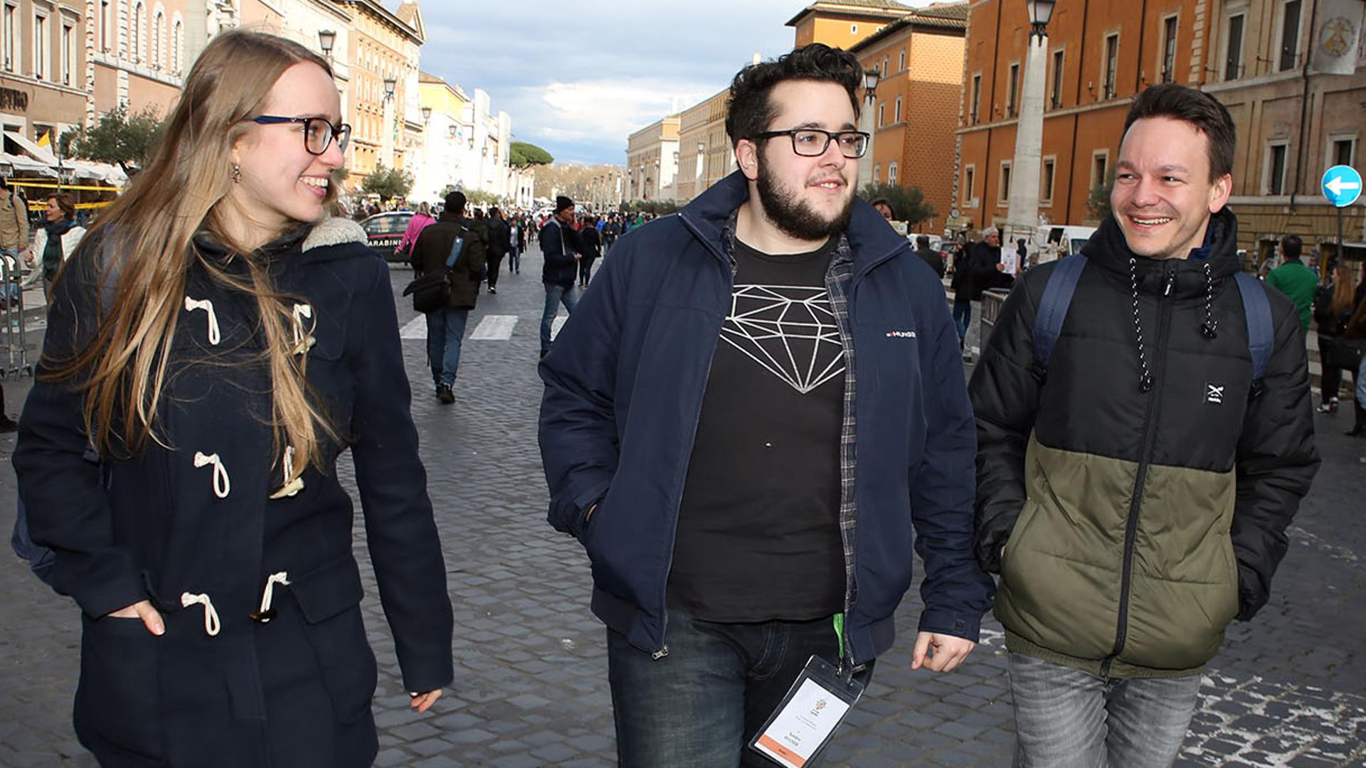 Medea Sarbach, Sandro Bucher, Jonas Feldmann in Rom | © Bernard Hallet