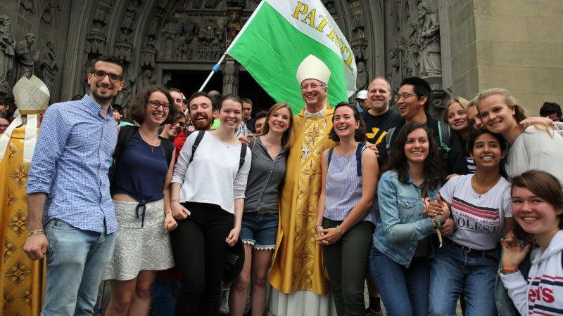 Jugendbischof de Raemy am Weltjugendtag in Freiburg | © Bernard Hallet