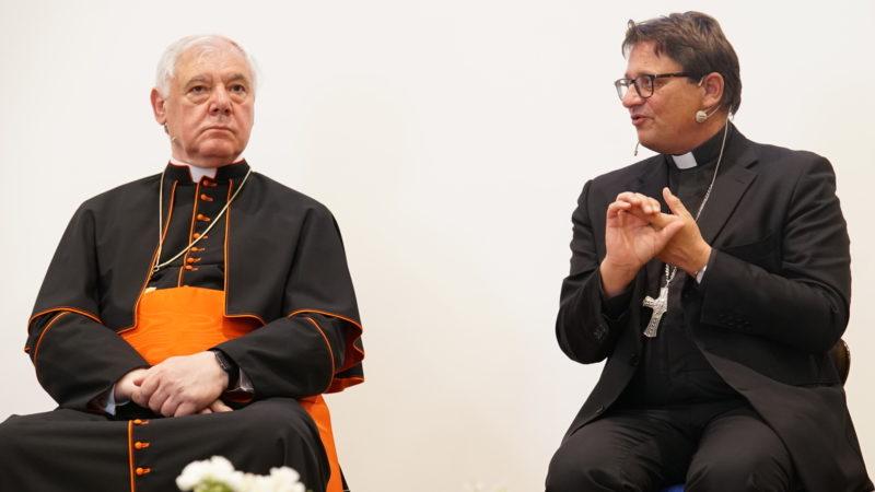 Kardinal Gerhard L. Müller und Bischof Felix Gmür | © Vera Rüttimann