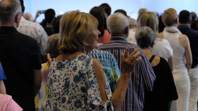 Gottesdienst-Besucher in Palexpo Genf | © Oliver Sittel