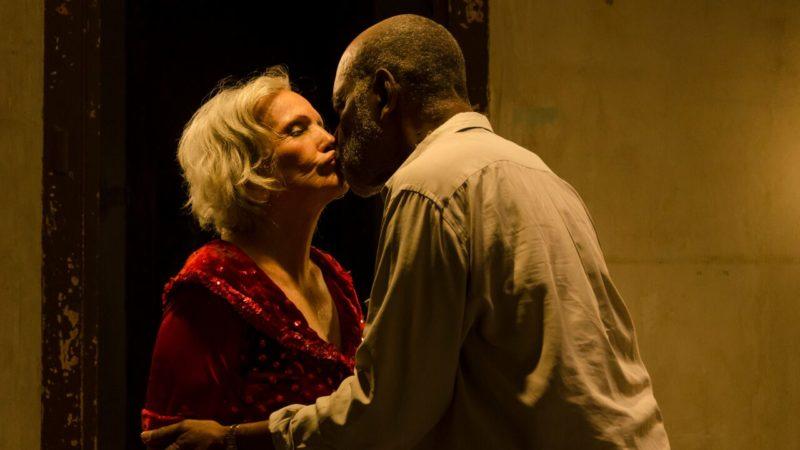 Filmszene: Candelaria und Victor Hugo haben sich neu gefunden  |  © DCM