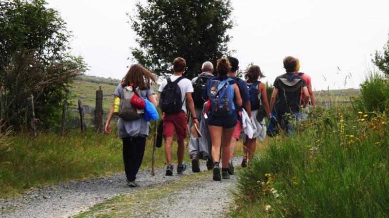 Pilgergruppe auf dem Jakobsweg in Frankreich   © Sylvia Stam