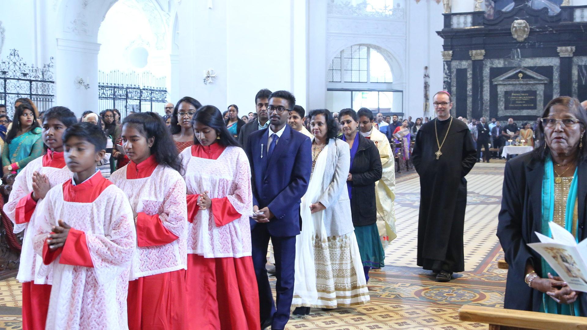 Tamilischer Gottesdienst mit Abt Urban Federer | © Tamilenmission