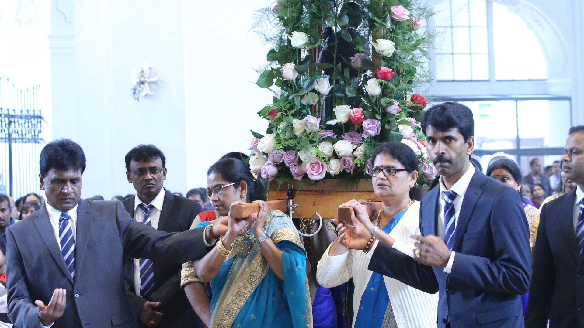 Antony Dhanson Winslows (2. von links) an der Marien-Prozession | © Tamilenmission