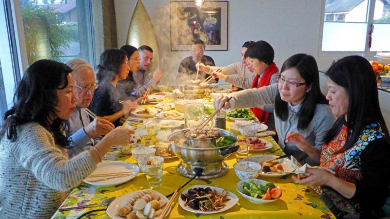 Festessen in der Chinamission   © zVg