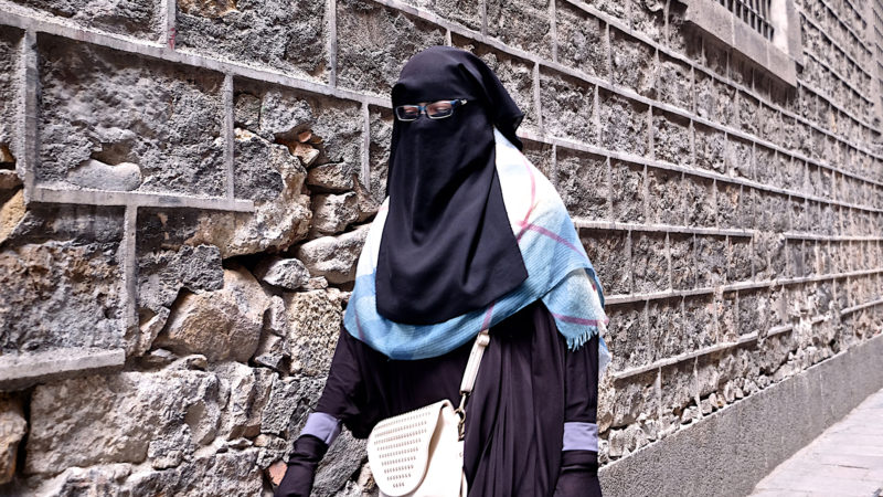 Frau mit Burka | © Oliver Sittel