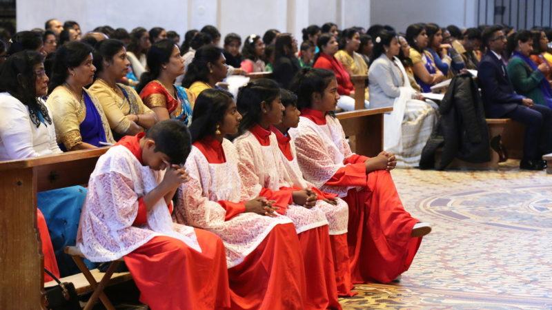 Tamilische Katholiken in der Klosterkirche Einsiedeln | © Tamilenmission