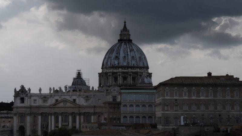 Düstere Wolken über dem Vatikan   © Oliver Sittel