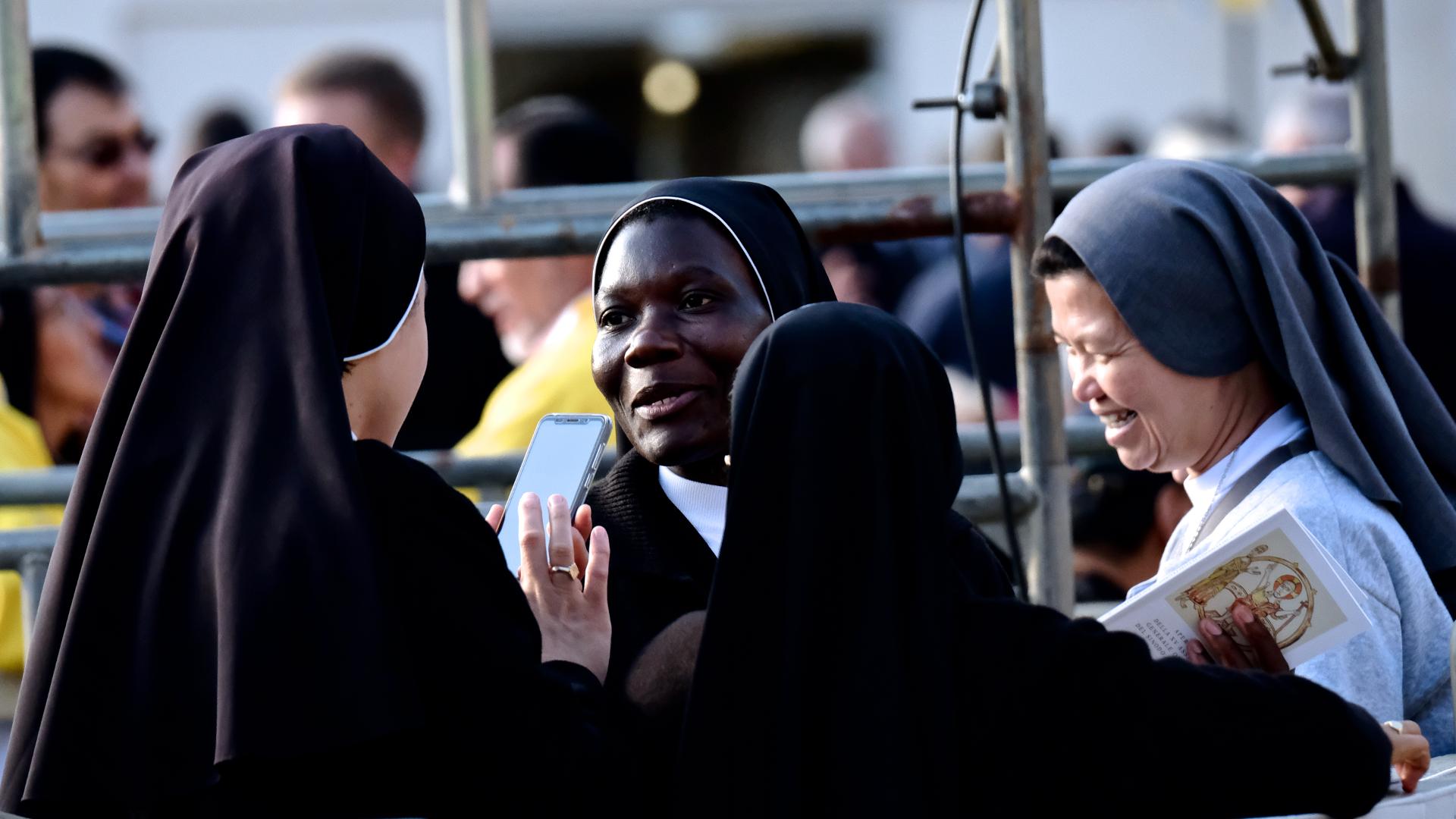 Ordensfrauen an der Jugendsynode in Rom | © Oliver Sittel