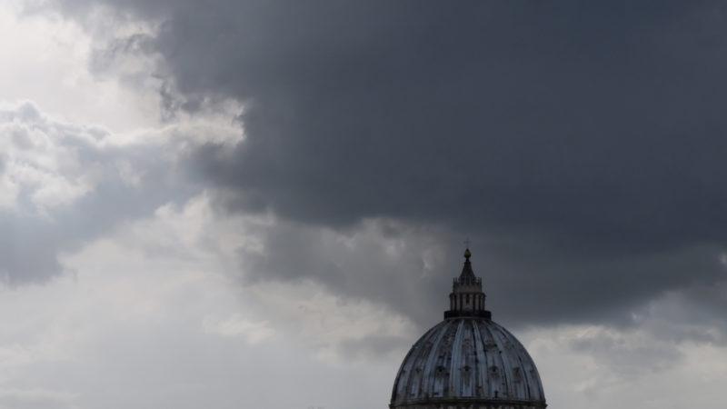 Düstere Wolken über dem Vatikan | © Oliver Sittel