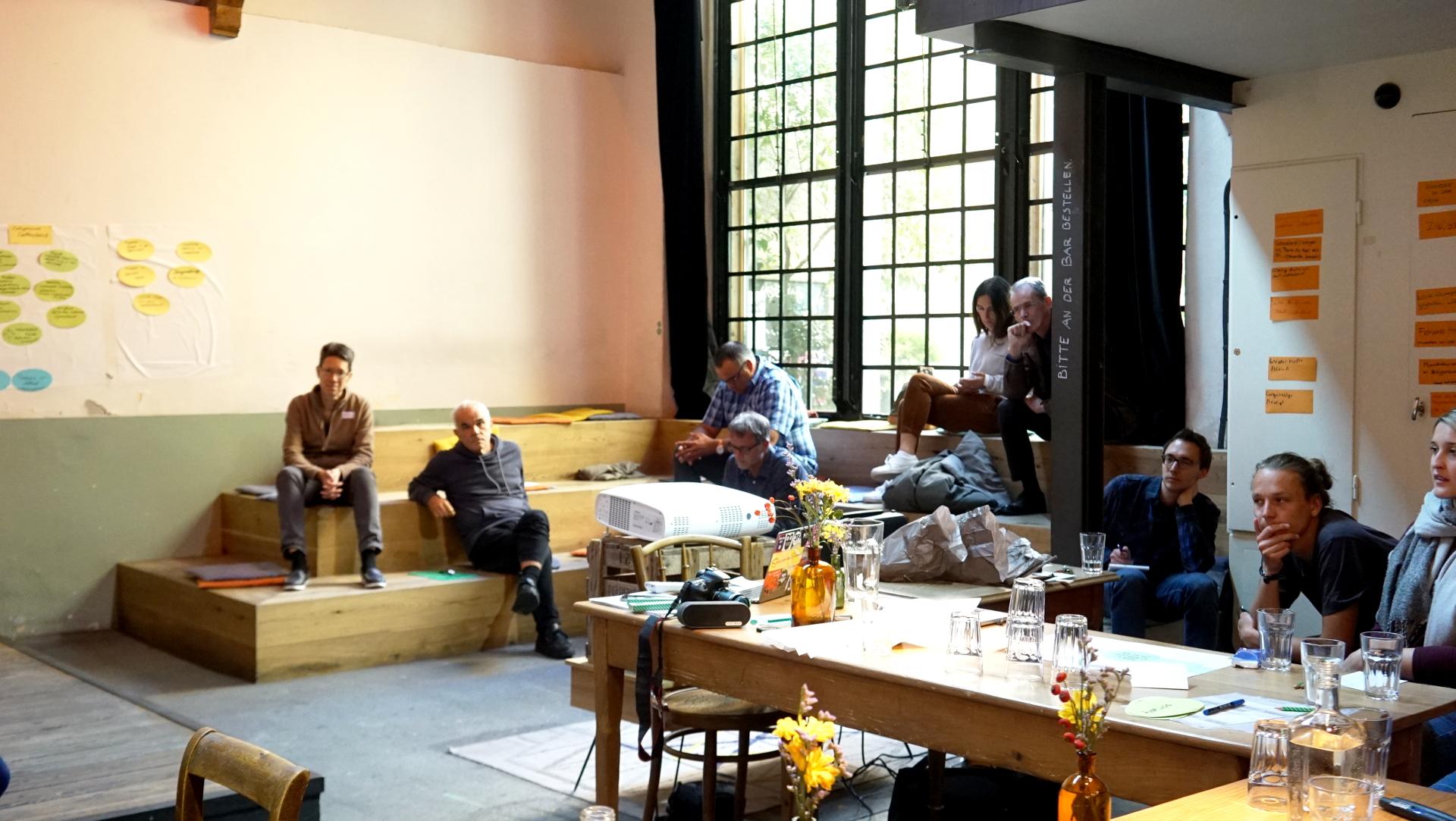 """Die """"Talksession"""" fand im Churer Kulturtreffpunkt """"Die Werkstatt"""" statt.   © Vera Rüttimann"""