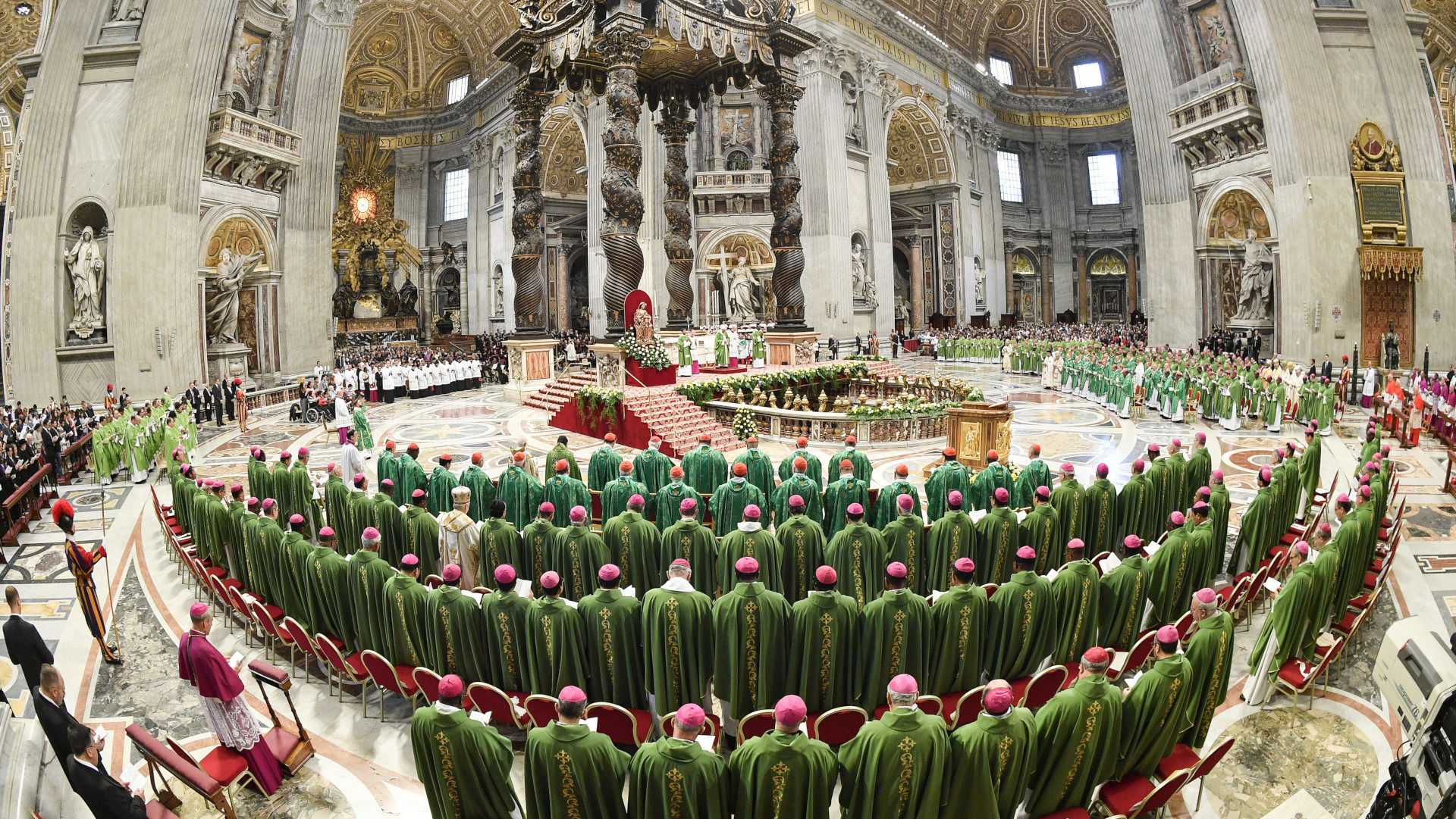 Gottesdienst zum Abschluss der Jugendsynode im Petersdom | © KNA