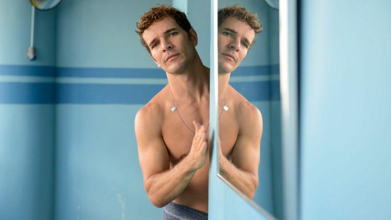 Der Schwimmlehrer Rubens (Daniel de Oliveira) steht unter Missbrauchsverdacht. | © trigon-film.org