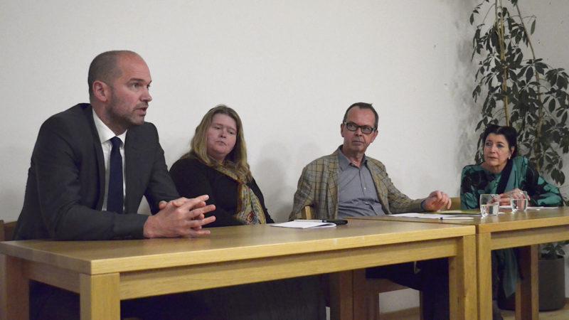 Menschenrechtsdiskussion mit Peter Kirchschläger, Annette Böckler, Hans-Peter von Däniken, Rifa'at Lenzin | © Regula Pfeifer