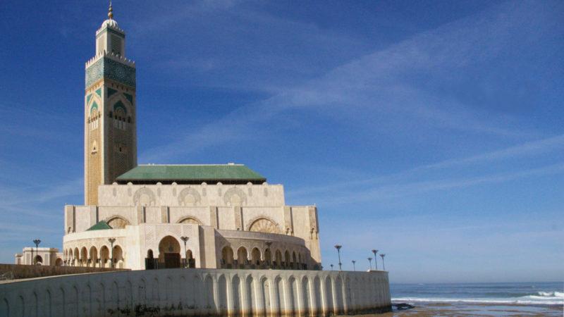 Die fünftgrösste Moschee der Welt steht in Casablanca | © Georges Scherrer