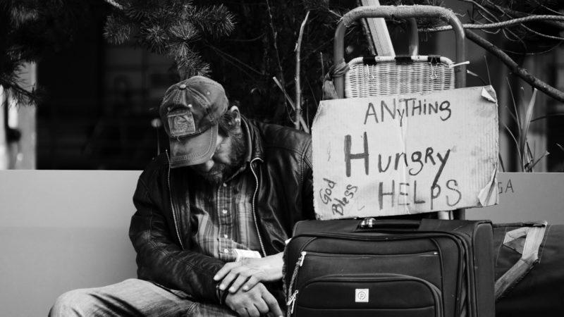 Bettler auf der Strasse   © unsplash.com Steve Knutson