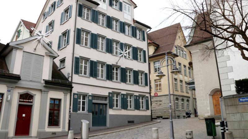 Vier Stockwerke des Hauses an der Kirchgasse 16 in der Magnihalden bieten künftig der Gemeinschaft des Stattklosters Platz.   © Claudia Koch