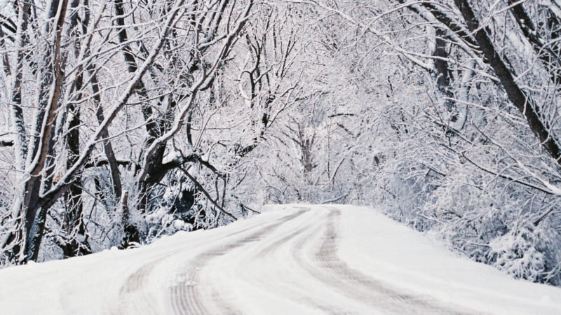 Schneebefreiter Weg  | © Benjamin Parker Unsplash