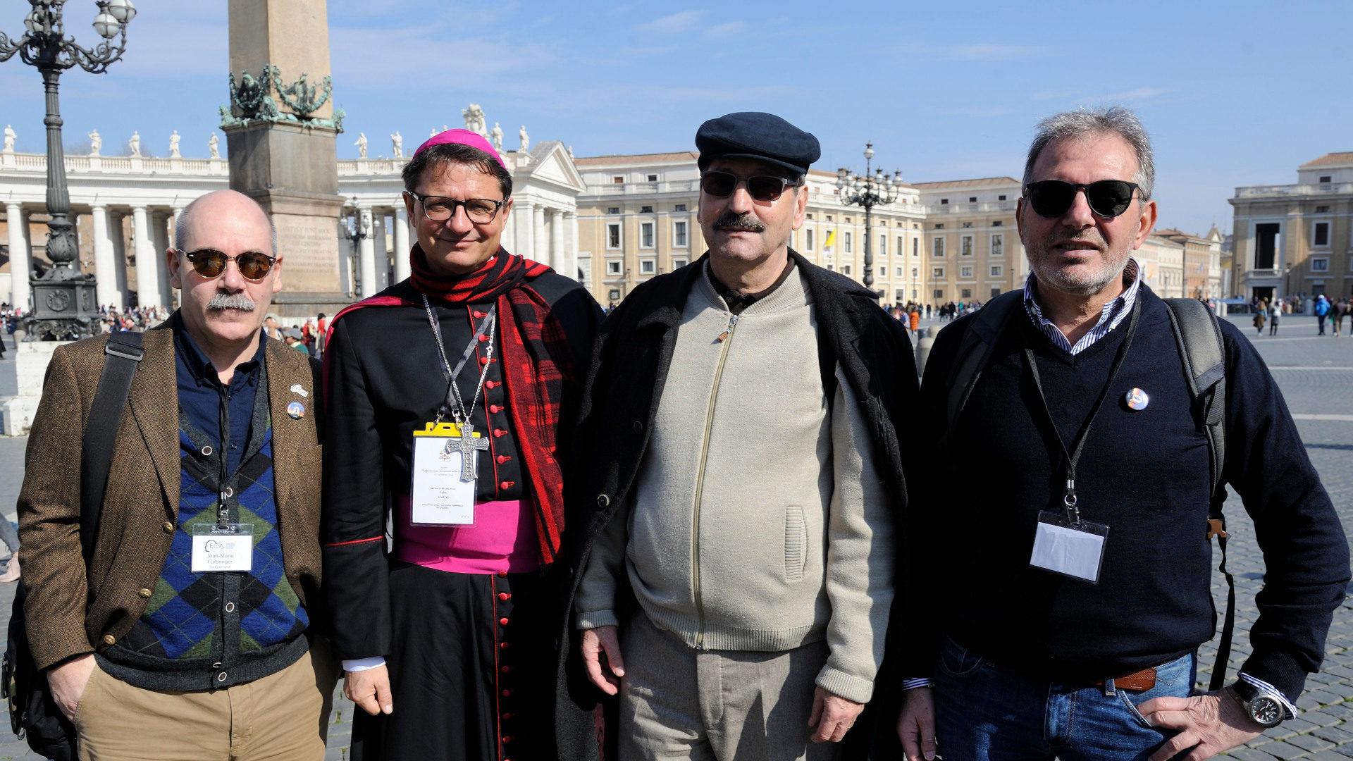 Jean-Marie Fürbringer, Bischof Felix Gmür, Jacques Nuoffer und Valerio Maj am Anti-Missbrauchsgipfel | © Katarzyna Artymiak