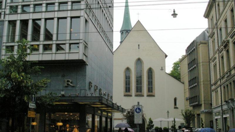 Augustinerkirche vom Paradeplatz aus gesehen | © Georges Scherrer