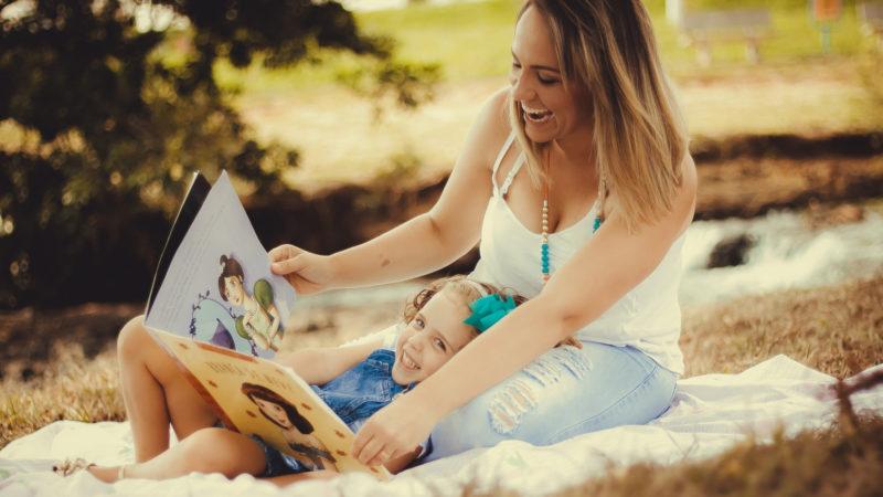 Kinderhüten ist wertvolle Care-Arbeit.   © pixabay.com