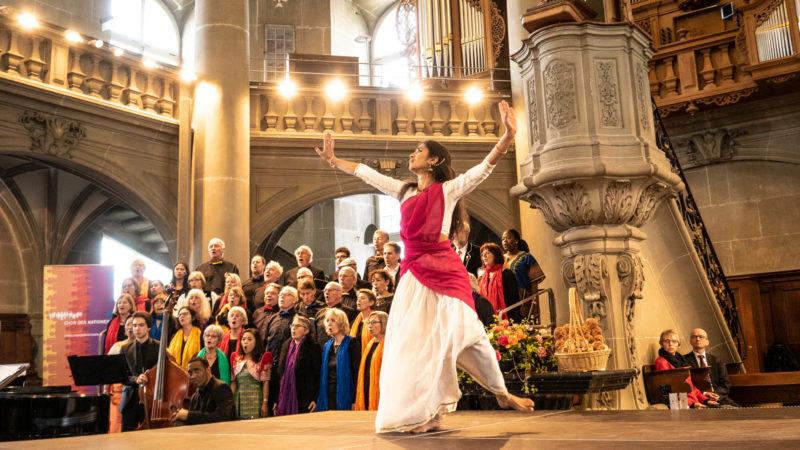 Anjali Keshava performt ein «Vater-Unser» | © Vera Rüttimann