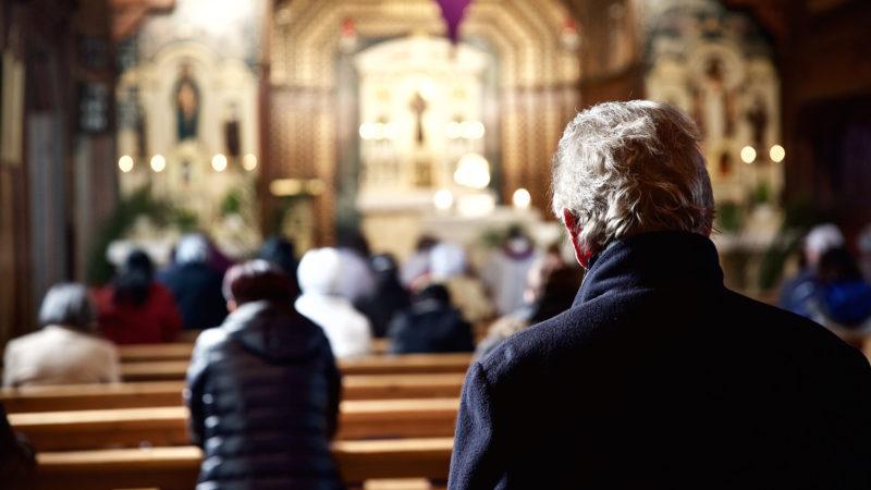 Nähe ist im Gottesdienst nicht immer erwünscht. | © Oliver Sittel