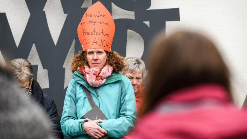 Demonstration für Frauen in kirchlichen Leitungspositionen in Lingen, 12. März 2019 | © KNA