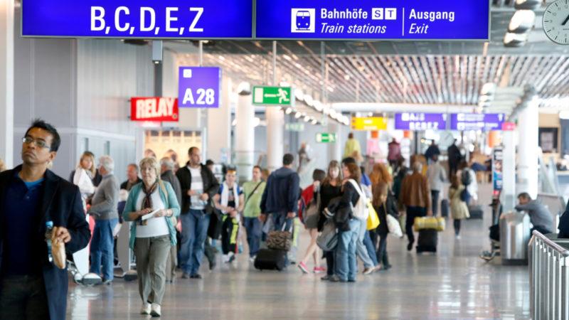 Flughafen Frankfurt - alles harmlose Passagiere? | © zVg