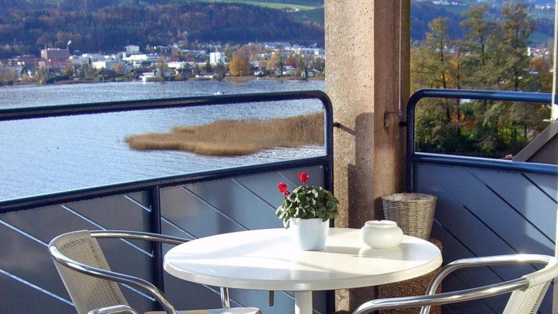 Sterbehospiz St. Antonius in Hurden SZ: Ausblick auf den Oberen Zürichsee | © zVg