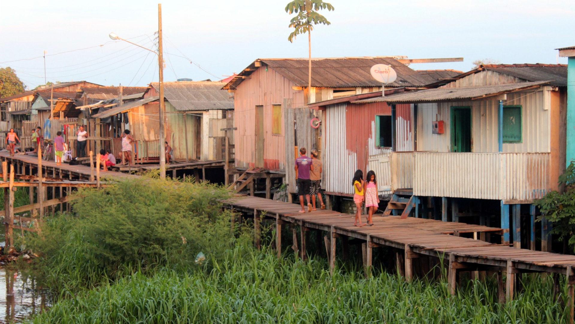 Armenviertel am Amazonas   ©pixabay/Anfri, Pixabay License
