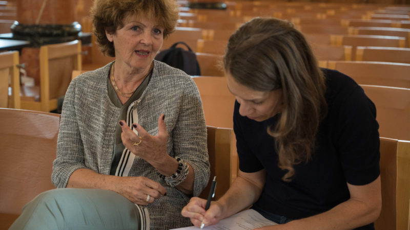 Annina Hess (l.), Präsidentin des Vereins St. Peter | © zVg