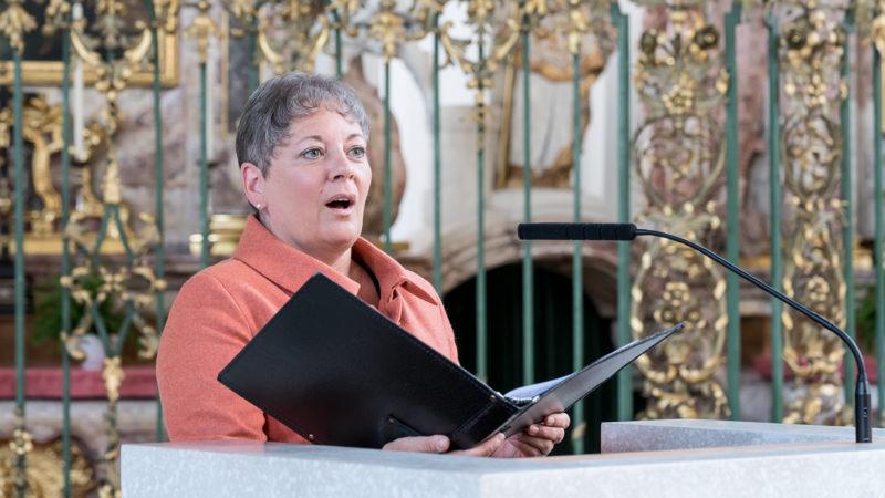 Kimberly Brockman als Kantorin im St. Galler Dom | © Paul Joos