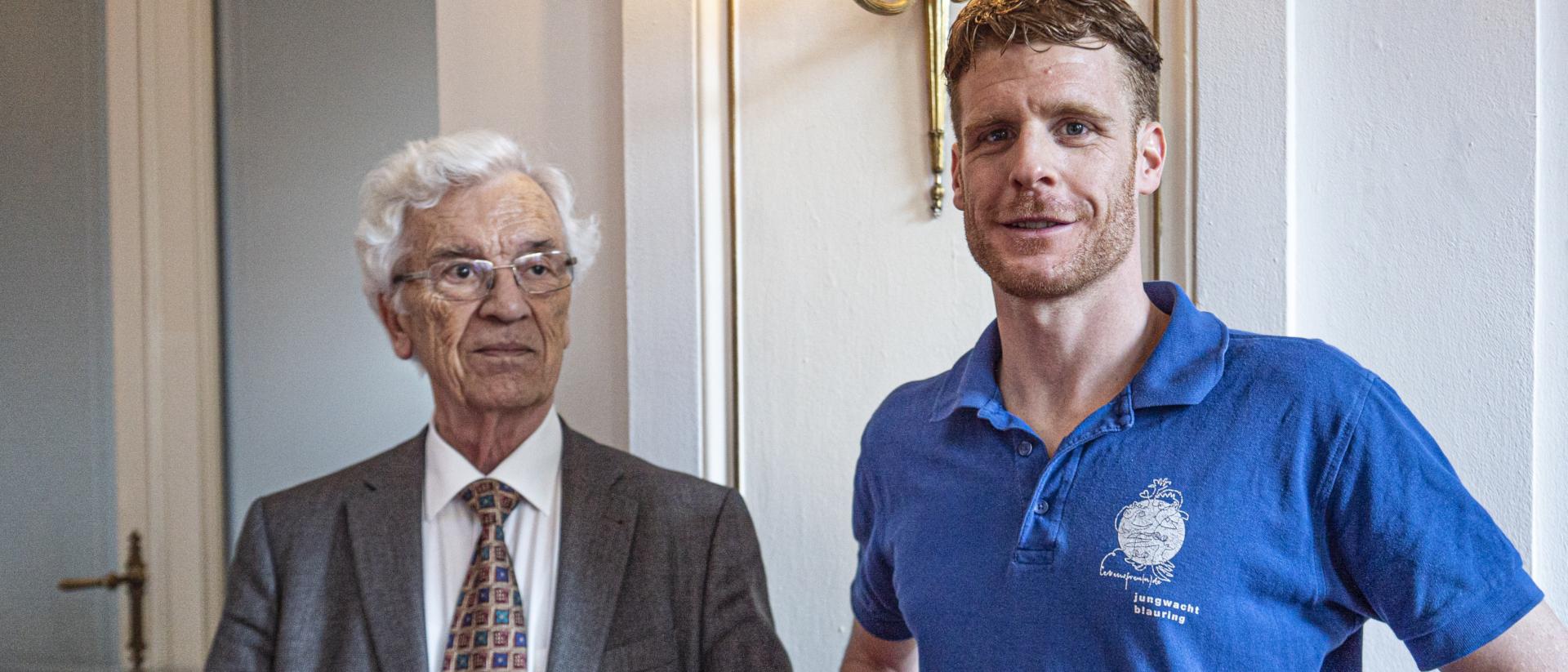 Leo Karrer (l.) und Valentin Beck (Jubla) an der Preisverleihung der Herbert-Haag-Stiftung für Freiheit in der Kirche im Hotel Schweizerhof in Luzern (Schweiz)  | ©Vera Rüttimann