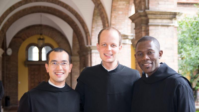 Mit benediktinischen Mitbrüdern aus Kanada und Senegal.   © P. Marion Nguyen OSB