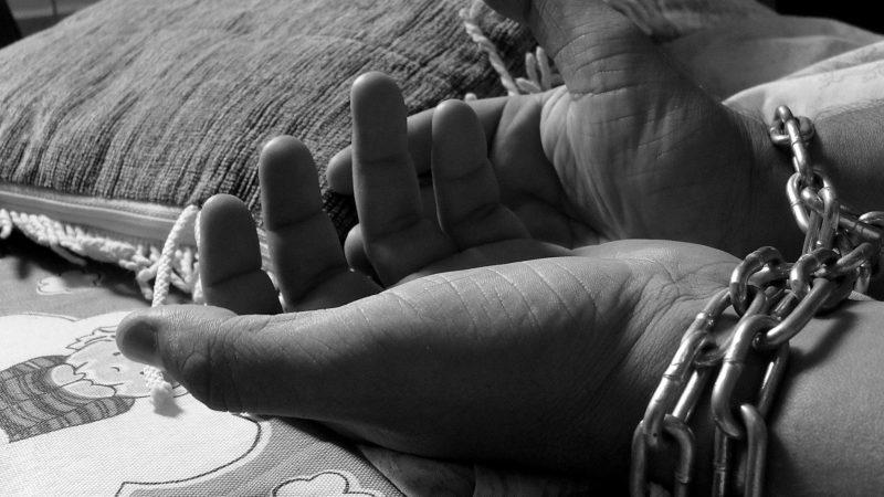 Menschenhandel gibt es auch in der Schweiz. Die FIZ kämpft dagegen an. Bild: pixabay, CC0-Lizenz
