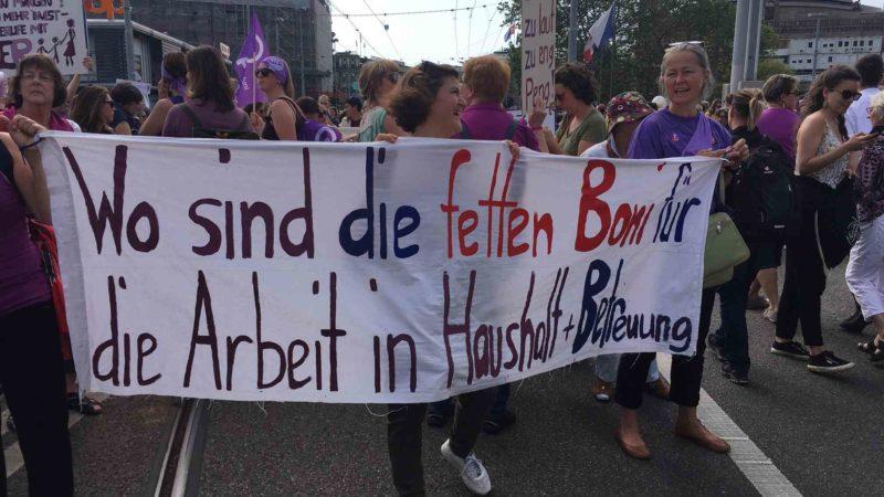 und wo sind die Boni für ehrenamtliche Arbeit? Frauenstreik 2019 Bild: Karin Reinmüller