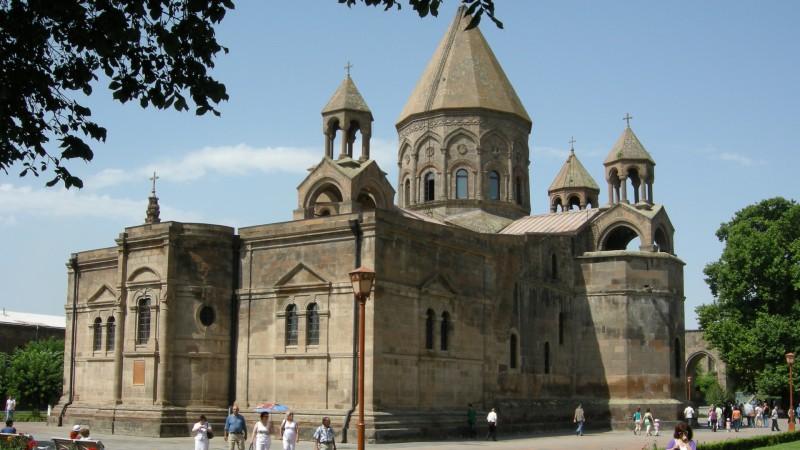 L'église du patriarcat arménien d'Etchmiadzine (photo Maurice Page)