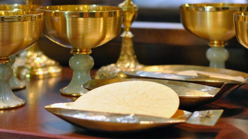 Les divorcés remariés peuvent dans certains cas avoir accès à l'eucharistie (Photo: Pierre Pistoletti)