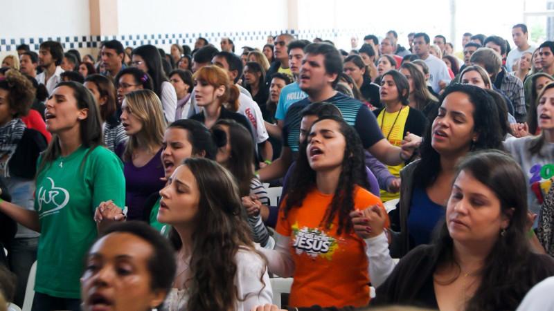 """Journées mondiales de la jeunesse (JMJ) à Rio de Janeiro en 2013 (photo Flickr Fagundes <a href=""""https://creativecommons.org/licenses/by/2.0/legalcode"""" target=""""_blank"""">CC BY 2.0</a>)"""