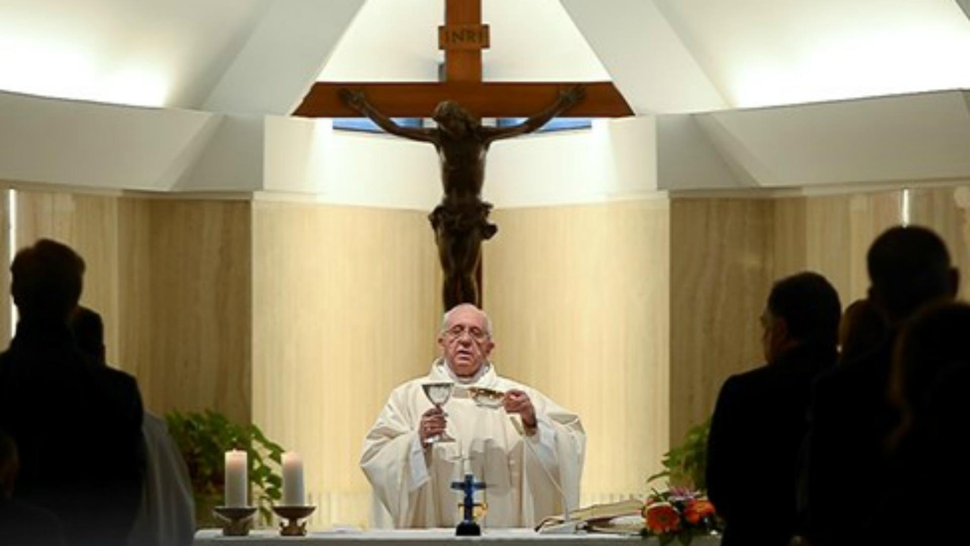 AVE MARIA pour notre Saint-Père le Pape François - Page 6 0215-05-25-pape-fran%C3%A7ois-Photo-Osservatore-Romano