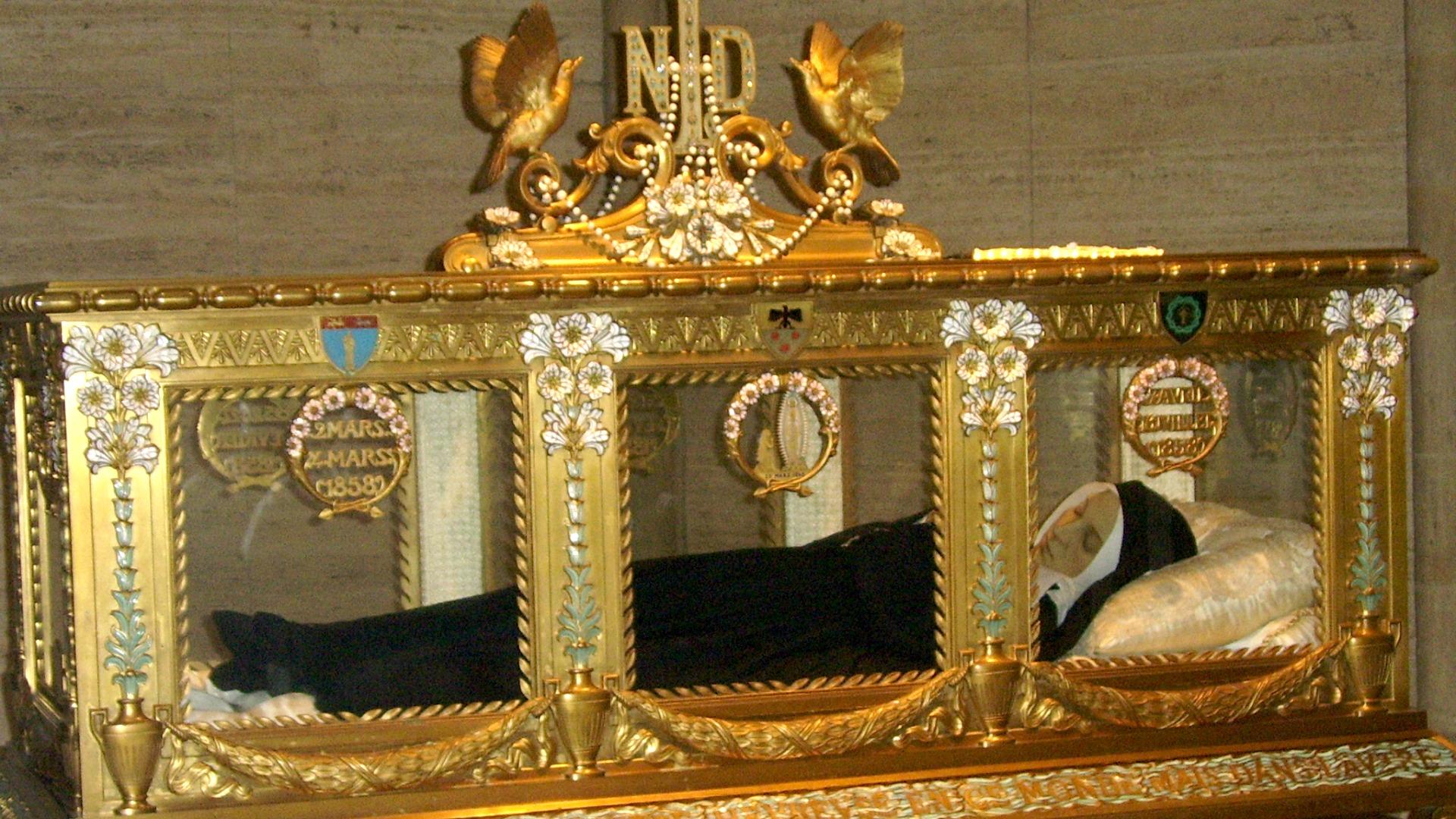 Le Maire De Nevers Dit Non Au Transfert De Bernadette