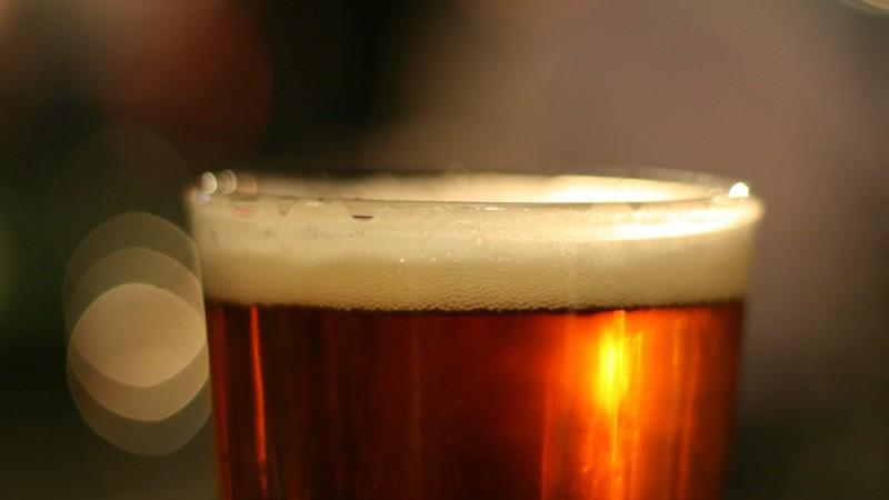 Une bière artisanale  d'une belle couleur ambrée (Photo d'illustration:Cyril Caton/Flickr/CC BY 2.0)