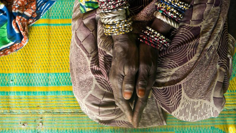 mobilisation contre les mutilations g nitales f minines. Black Bedroom Furniture Sets. Home Design Ideas