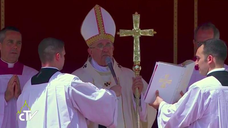 Le pape Françoise lors de l'Angélus du 17 mai 2015 (Photo. CTV)