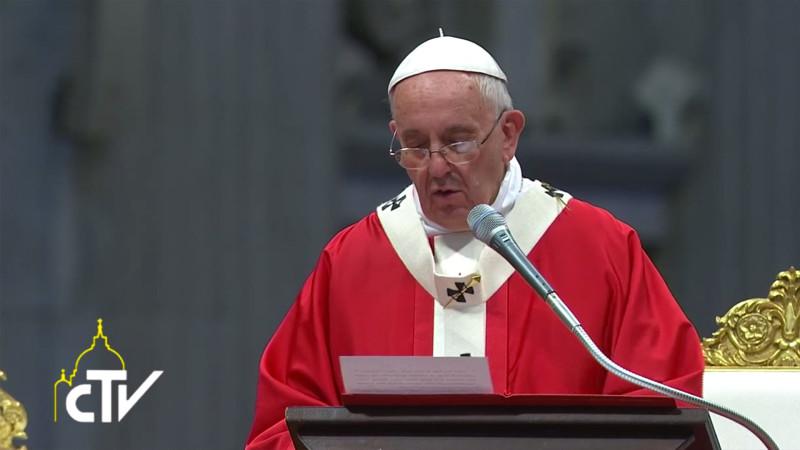 Le pape François lors de la bénédiction des Pallium, 29 juin 2015 (Photo: CTV)